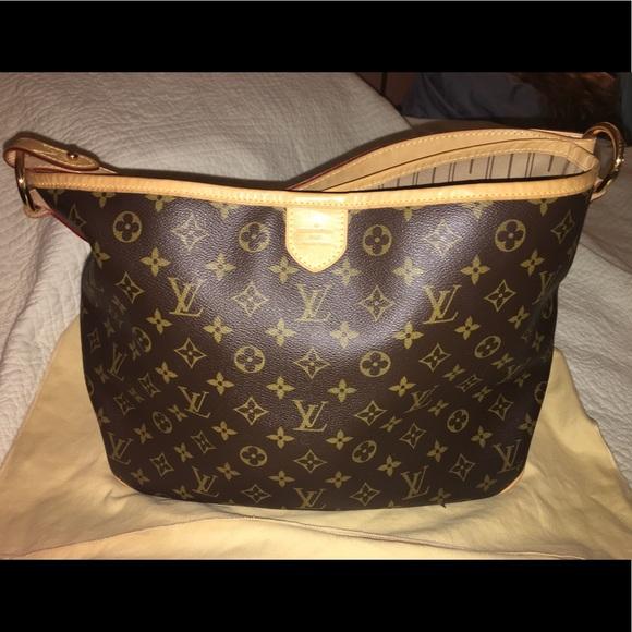d8cd342e086 Louis Vuitton Handbags - Authentic Louis Vuitton Monogram Delightful MM